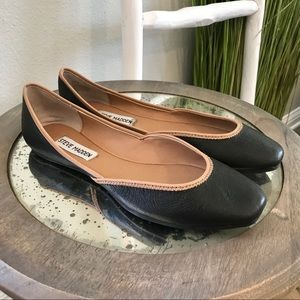 Steve Madden | Black Leather Tan Trim Azeka Flats